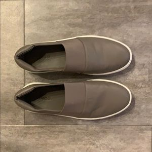 Vince Women's Slip On's